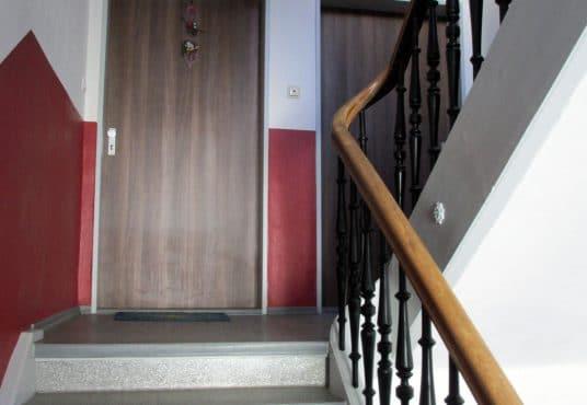2,5 Zimmer Wohnung in saniertem Gründerzeithaus