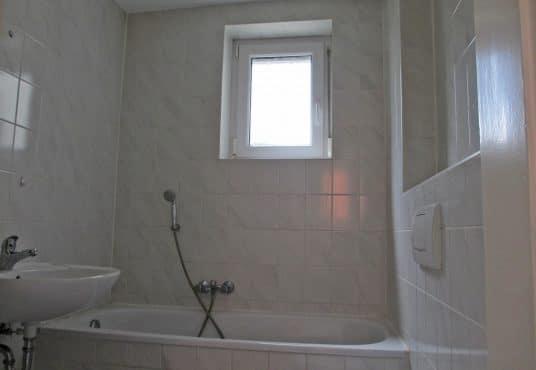 Preiswerte 2 Zimmer Wohnung in ruhiger Lage
